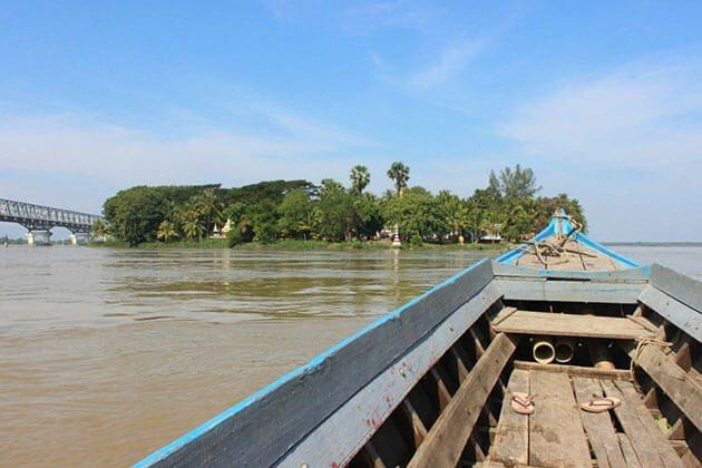 Boat trip to Shampoo Island