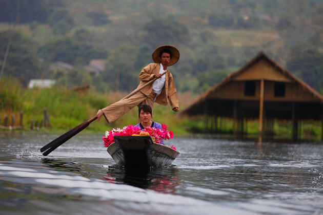 Inle lake - must see tourist attractions in myanmar