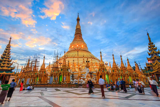 Shwedagon pagoda at twilight