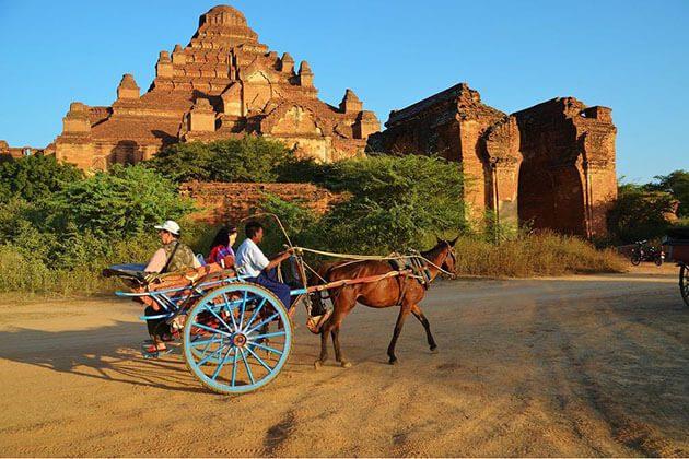 bagan horse cart ride