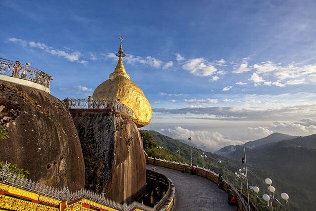 golden rock -stunning myanmar attractions