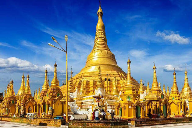 golden stupa of Shwedagon Pagoda