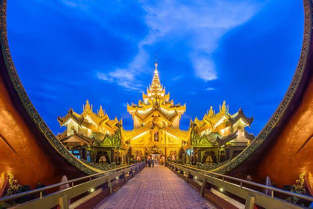 karaweik palace at night