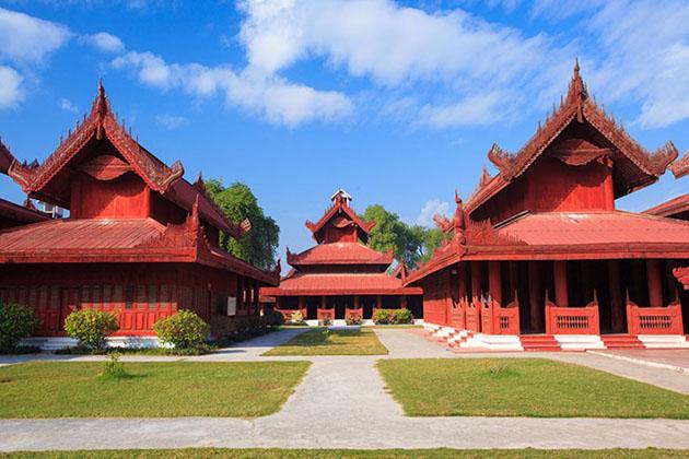 the architecture of mandalay palace